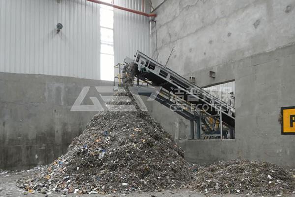 生活垃圾破碎机现场(用于焚烧发电前预处理)