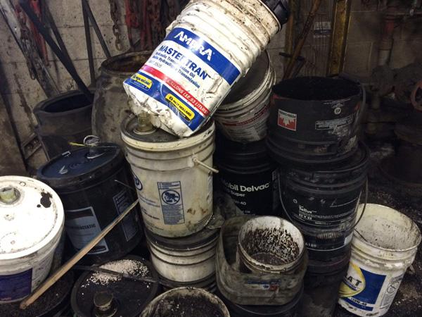 大型工業廢料粉碎機,大型工業垃圾處理設備廠家